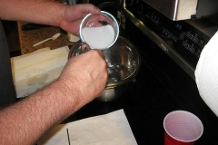04-carefully-adding-the-lye-to-the-water